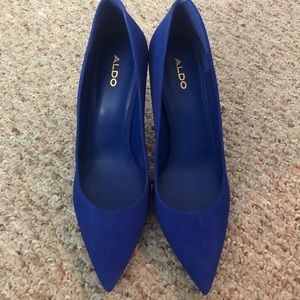NIB Aldo blue suede pumps size 9